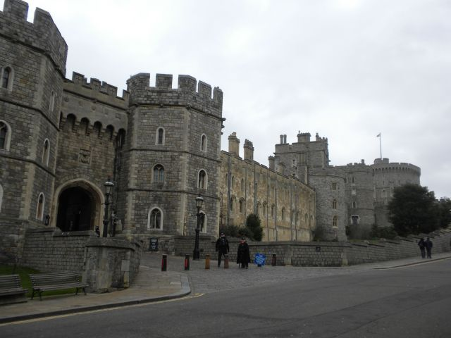 Our first stop was Windsor Castle.  We were not the only ones with that idea.  The line was huge so we moved on.